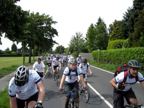 GBI 2011 Day 5 - Group Cycling to Dusseldorf