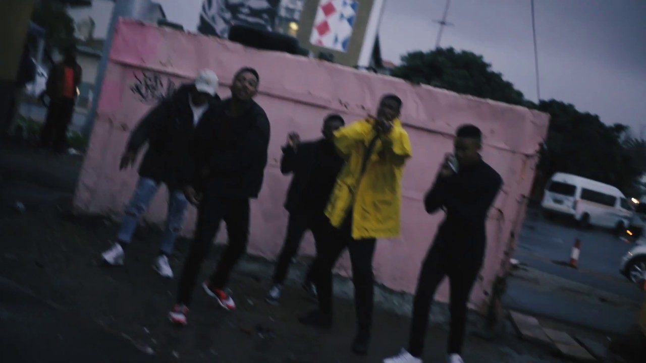 Download LAY LAY - CHASING BAG Ft.  SIMULATIONRXPS (OFFICIAL MUSIC VIDEO)
