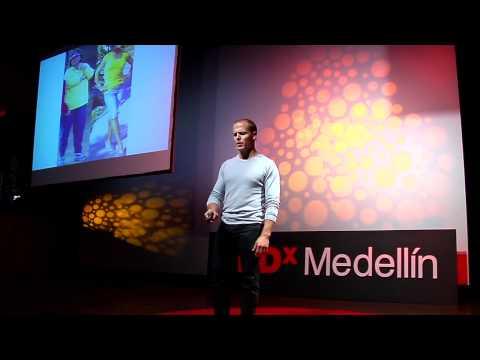 TEDxMedellín - Timothy Ferris: Autoexperimentación  ¿Cómo hackear el cuerpo humano?