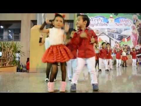 เด็กๆชั้น อนุบาล 2/3 เต้นในงานประจำปีโรงเรียนอันนาลัย