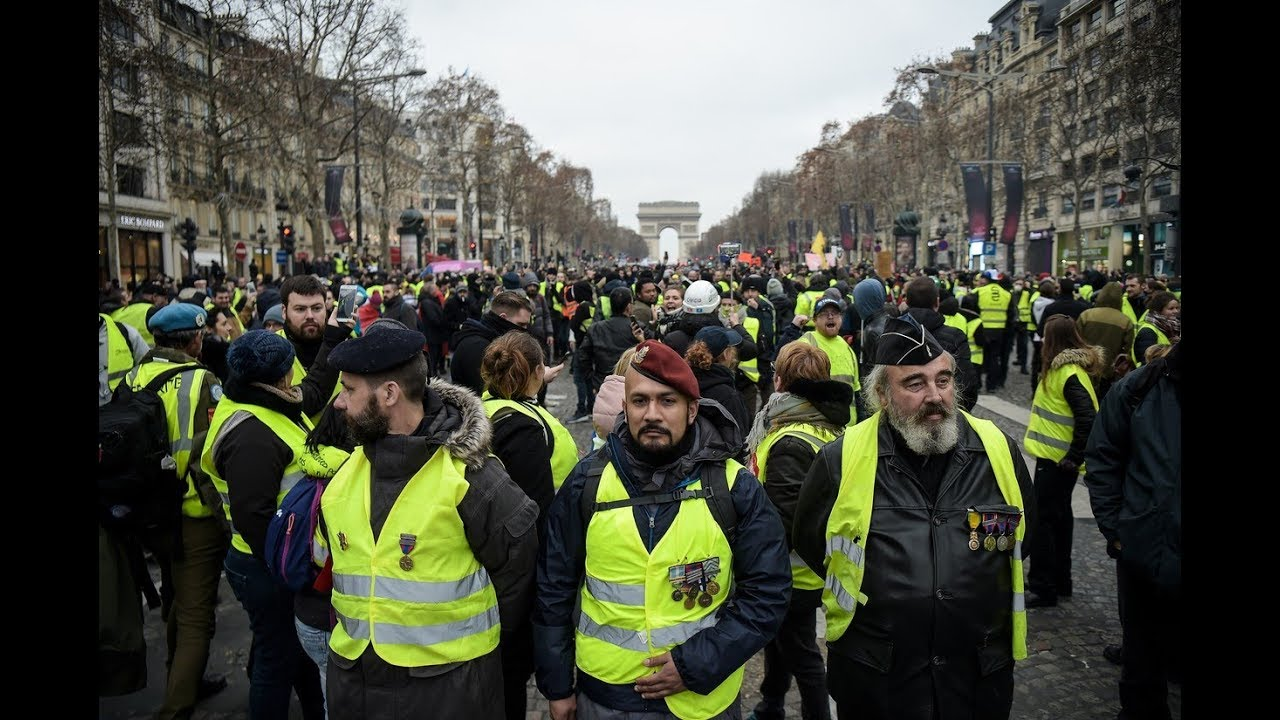 Yellow Vests protesters hit the streets of Paris 27th weekend in a row