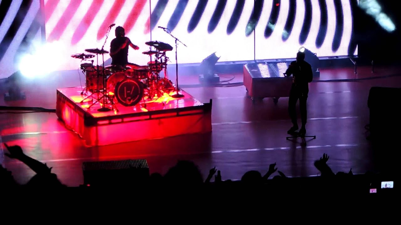 Download HeavyDirtySoul  - Twenty One Pilots (Live at Red Rocks)