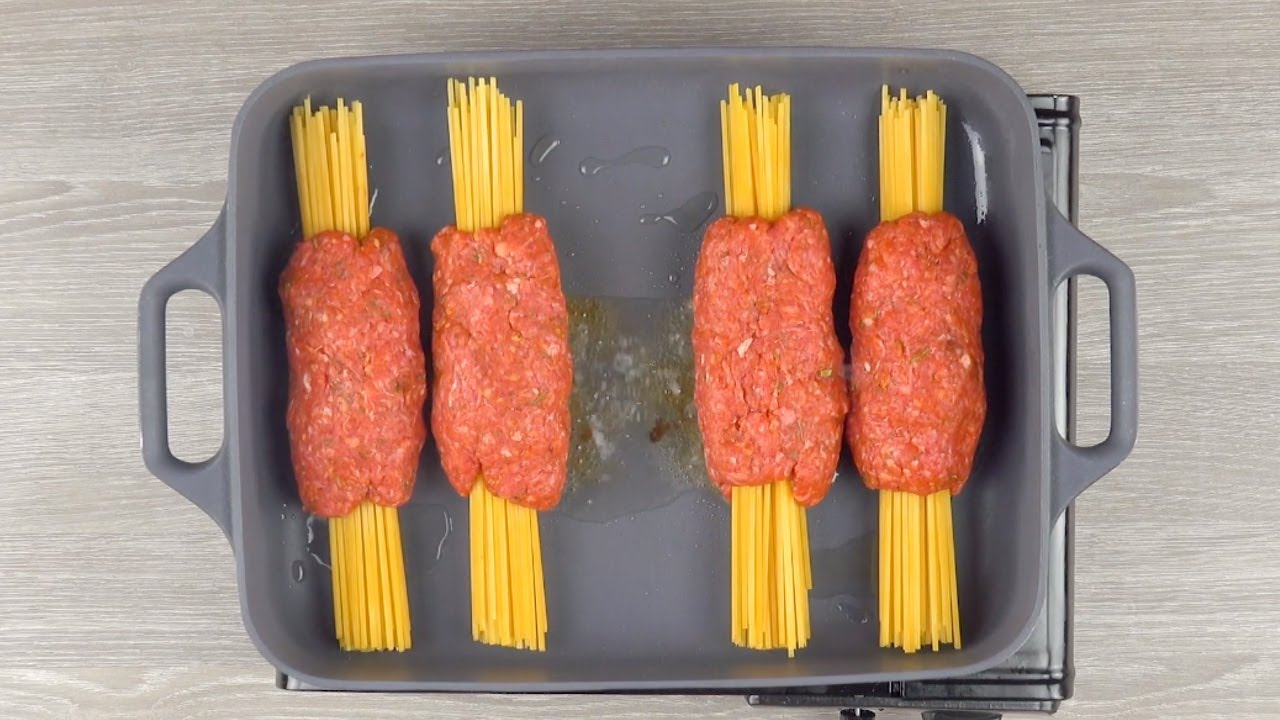 Заворачиваем спагетти в фарш и ставим в духовку. Идеальный ужин!
