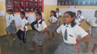 JVM students practising Bharatnatyam.