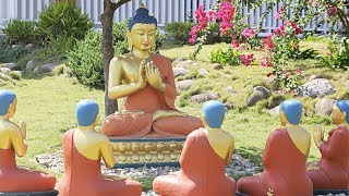 Kvar lokoj rilate al la Budho · Quatre lieux en lien avec le Bouddha