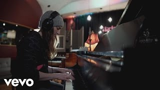 "Sara Bareilles - What's Inside: Making the Record Part 5 - ""She Used to Be Mine"""
