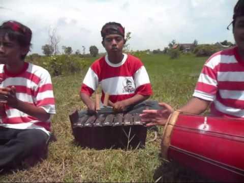 madura exotic - Tanduk Majeng & Ronjengan - PGSD UTM Angkatan 2011