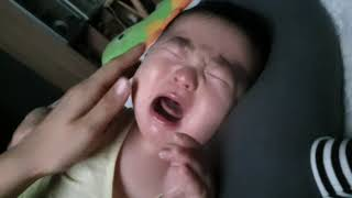 200일아기 잠투정 깰때마다 울지요