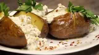 Как запечь картофель в мундире. Рецепт со сметаной и селедкой