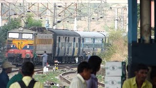 Front panto up Tapovan Express curves and zips through Khardi station