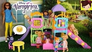 Los Niños No Quieren Jugar con Vampirina en el Patio de Recreo de Barbie