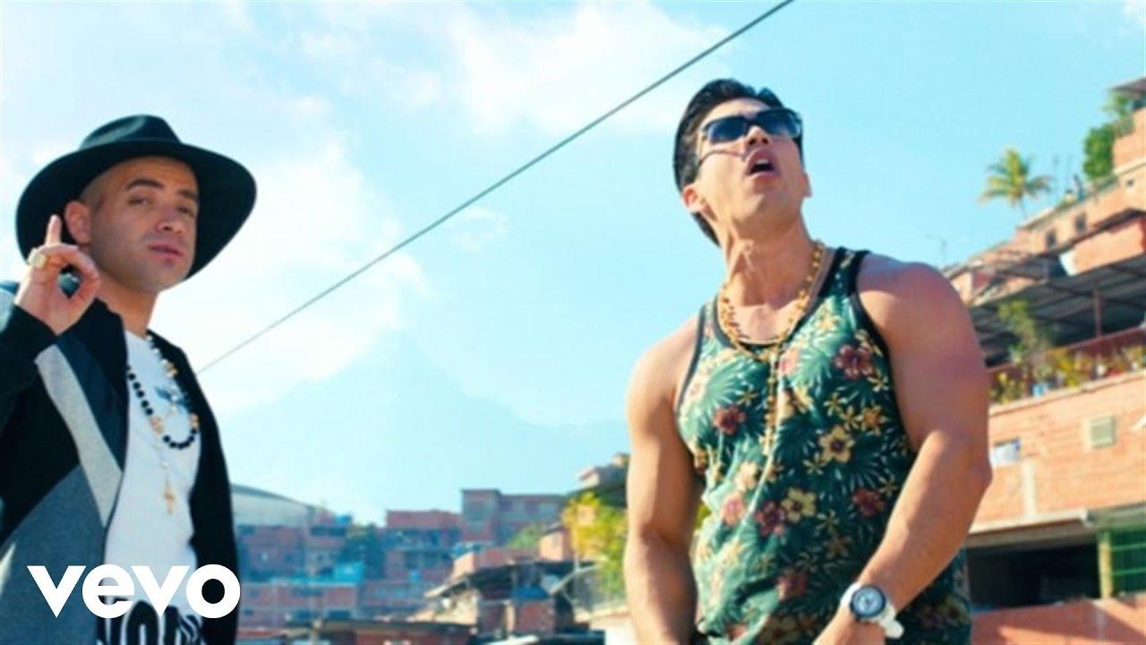 Chino & Nacho - Me Voy Enamorando (Remix) ft. Farruko #1