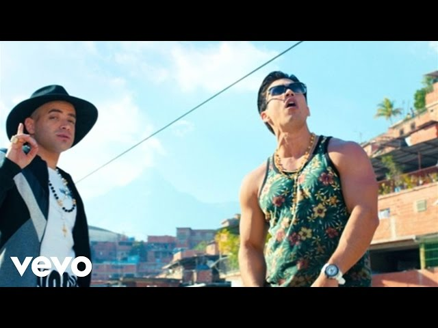 Chino & Nacho - Me Voy Enamorando ft. Farruko (Remix) (Official Music Video)