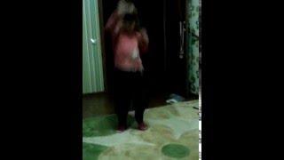Злата супер танцовщица