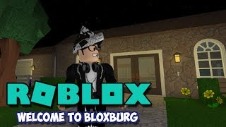 A NEW HOME & GUEST - Welcome to Bloxburg (Roblox)