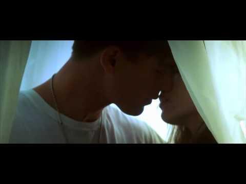 Поцелуй из фильма «Перл Харбор»