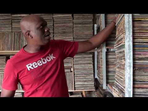 Charly l'animateur de RCI Martinique à visiter  la  discothèque de Mano Loutoby