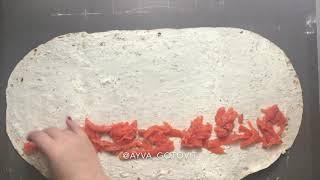 Рулет из лаваша с творожным сыром и малосоленой семгой