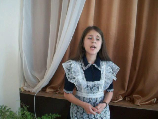 Изображение предпросмотра прочтения – ДианаЛуговая читает произведение «Внимая ужасам войны» Н.А.Некрасова
