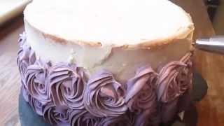 как украсить торт с розами(, 2015-04-18T18:24:48.000Z)
