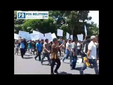 Ratusan Massa Datangi Kantor Bupati Belitung