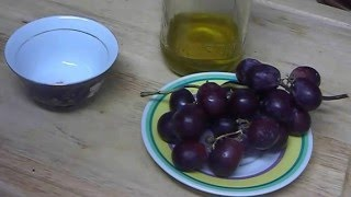 """How to Make Natural Grape Homemade Compress Face Mask For Eyelids Skin Care"" Thumbnail"