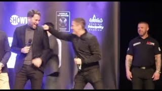EDDIE HEARN MUGS DAVE HIGGINS OFF LIVE ON STAGE AFTER JIBE ABOUT HIS TURTLE NECK!