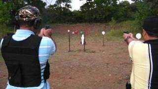 Entrenamiento de Tiro con Pistola 07 Pietro Beretta Cougar 8000F
