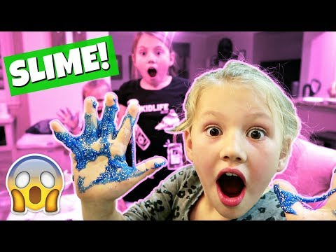 MAKING GLITTER SLIME! FAMILY VLOG