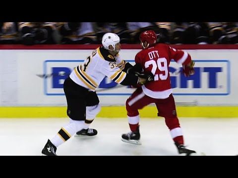 Gotta See It: Ott gets away with spearing Chara