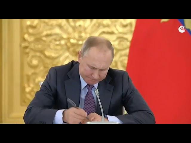 Александр Сокуров задал неудобный вопрос Президенту Путину на заседании Совета по правам человека.