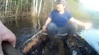 рыбалка на озере в хорошую солнечную погоду