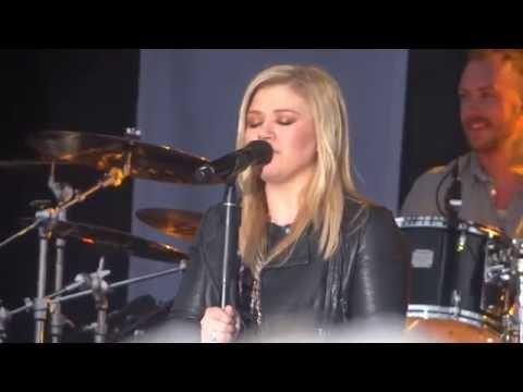 Kelly Clarkson - Catch My Breath - Beachwood, OH