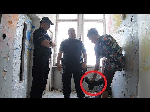 Policja szuka narkotyków w moich butach