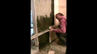 Укладка плитки на стену по мобильным маякам www.delaysam.top