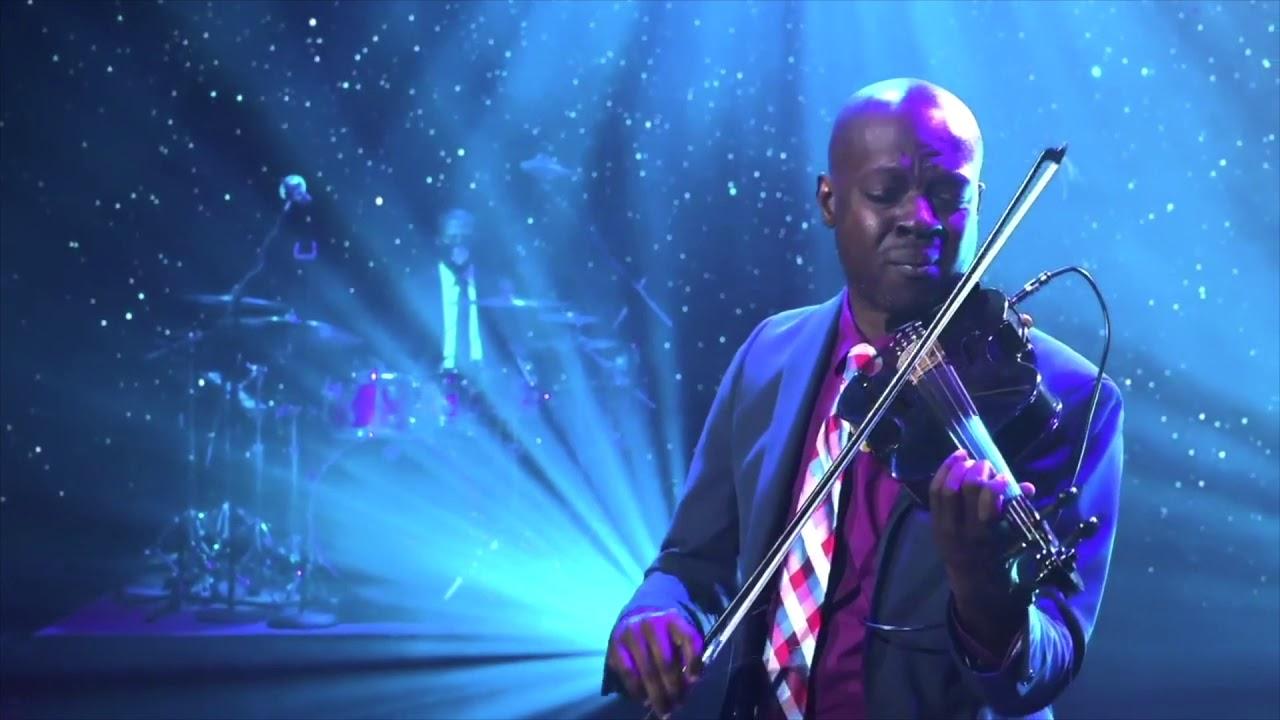 """Oh Come All Ye Faithful"" - Ashanti Floyd live at Elizabeth Baptist ATL"