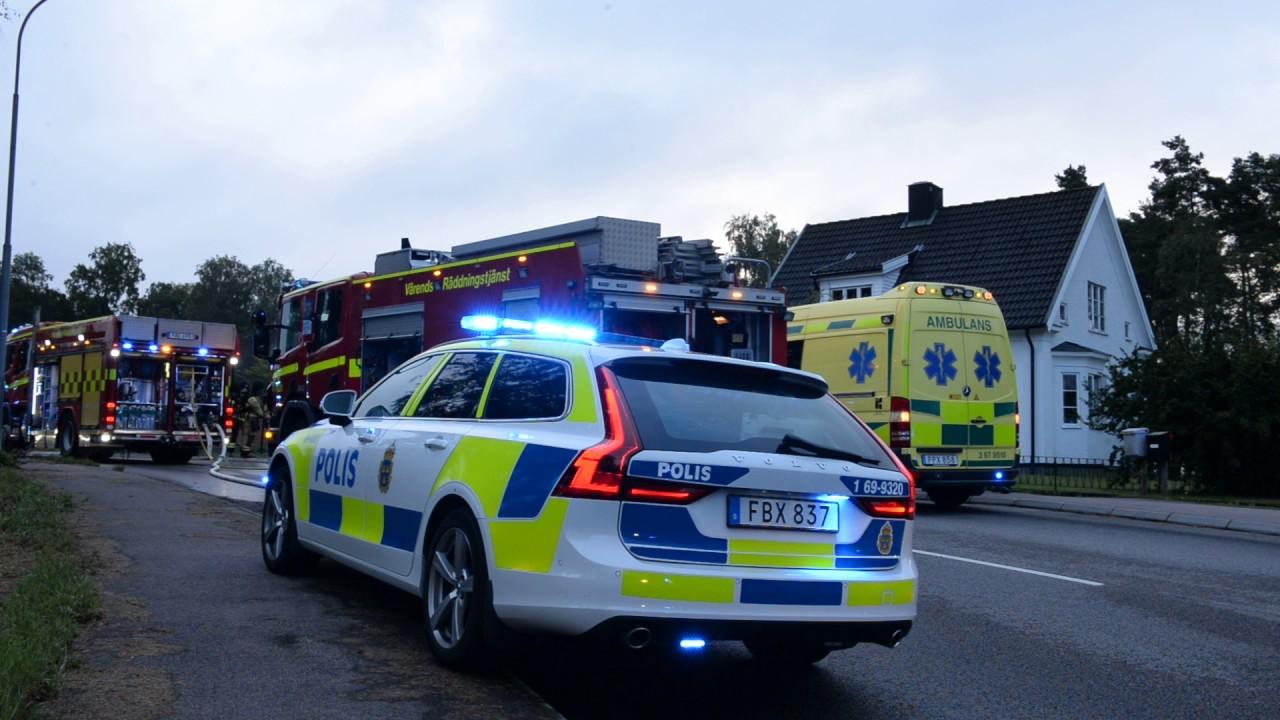 Volvo V90 Polis blåljus - YouTube