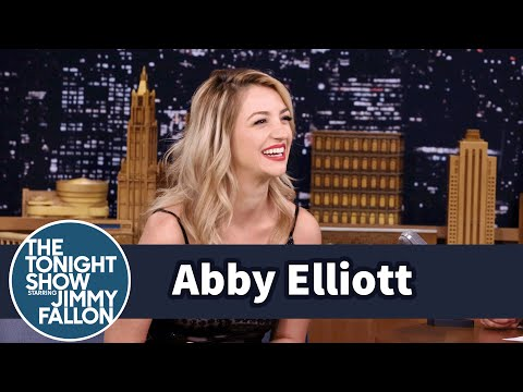 Abby Elliott Had a Sensitive Stripper at Her Bachelorette Party