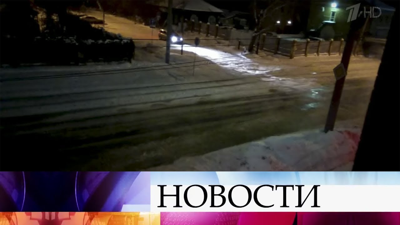 В центре Омска из-за коммунальной аварии было парализовано движение сразу по нескольким улицам.