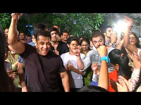 Salman Khan's CRAZY Ganesh Visarjan 2015...