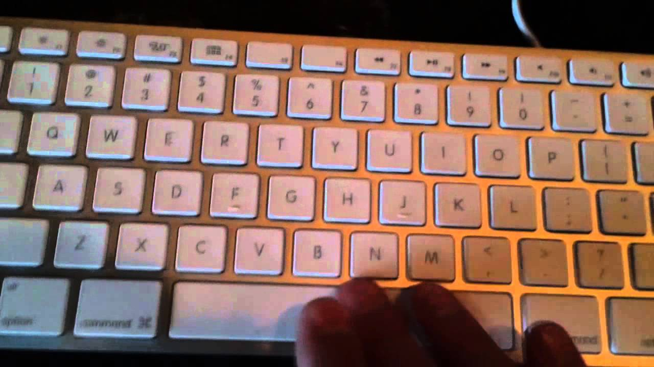 apple wireless keyboard vs wired keyboard my mac office desktop tour youtube. Black Bedroom Furniture Sets. Home Design Ideas