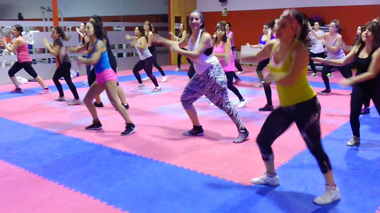 Carla franco zumba gym 19 tudela navarra youtube for Gimnasio 19