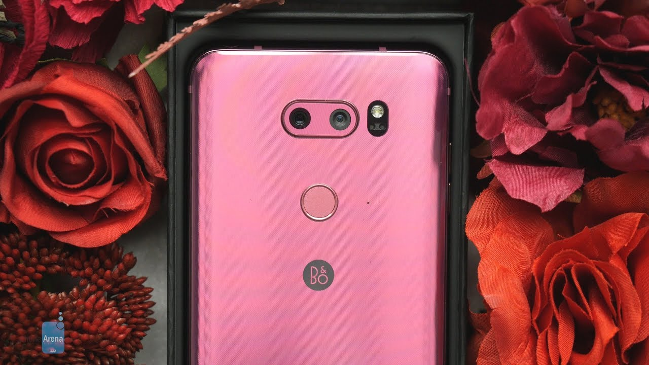 061287bf62f633 Special Unboxing  LG V30 in Raspberry Rose (pink) may just be the best  Valentine s Day gift
