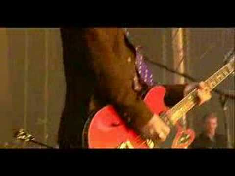 Queens Of The Stone Age - In My Head (Live @ Reading 2005)