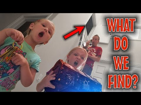 Exploring the Secret Hidden Room! Someone's Living Behind the Door!!!