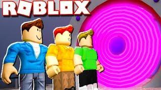 ПОБЕГ от злой БАБУЛИ в ROBLOX! Новые приключения Кида в мультяшной игре про телепорт #КИД