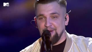 Баста – Я смотрю на небо (Live@MTV EMA pre party 2016)