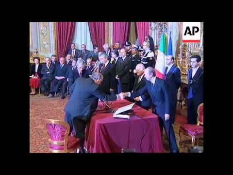 ITALY: PRIME MINISTER LAMBERTO DINI WINS VOTE OF CONFIDENCE