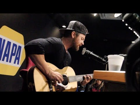 """Kip Moore Peforms """"Plead The Fifth"""" Live on the Bobby Bones Show"""