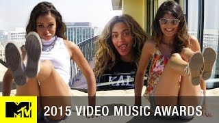 Lizzza Recreates Beyoncé's '7/11' Video | MTV VMA 2015
